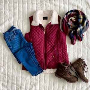 Quilted Sherpa Lined Vest, size Large